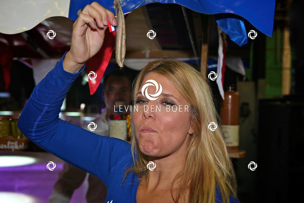 UTRECHT - In de trainingloods van Holiday On Ice werd bekend gemaakt dat ook Jenny Smit in de nieuwe show zal schaatsen. Met op de foto Jenny Smit. FOTO LEVIN DEN BOER - PERSFOTO.NU