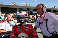 Sam Hornish Jr. and Roger Penske at the Michigan International Speedway, Firestone Indy 400, July 31, 2005
