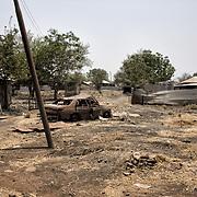 Vestiges des combats entre les rebelles et les SPLA (Armée Populaire de Libération du Soudan) à Malakal. La ville était la deuxième du pays avant la guerre civile en 2013. Véritable carrefour commercial, elle comptait plus de 150 000 habitants. Aujourd'hui, presque exclusivement des soldats loyalistes et leurs familles l'habitent.