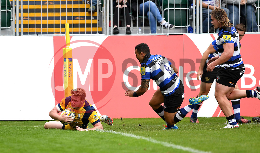 Niall Annett of Worcester Warriors scores a try  - Mandatory by-line: Joe Meredith/JMP - 17/09/2016 - RUGBY - Recreation Ground - Bath, England - Bath Rugby v Worcester Warriors - Aviva Premiership