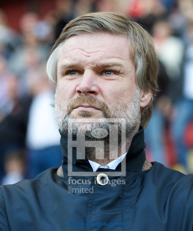 Manager Steven Pressley of Coventry City during the Sky Bet League 1 match at the Matchroom Stadium, London<br /> Picture by Alan Stanford/Focus Images Ltd +44 7915 056117<br /> 01/11/2014