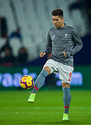 LONDON, ENGLAND - Monday, February 4, 2019: Liverpool's Roberto Firmino during the pre-match warm-up before the FA Premier League match between West Ham United FC and Liverpool FC at the London Stadium. (Pic by David Rawcliffe/Propaganda)