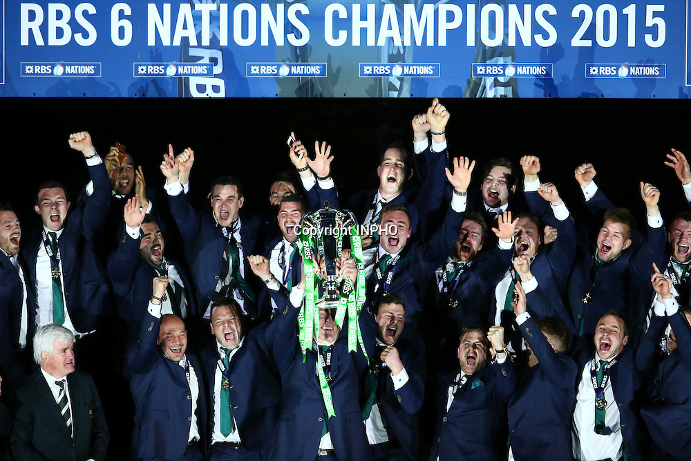 RBS 6 Nations Championship, BT Murrayfield, Edinburgh, Scotland 21/3/2015<br /> Scotland vs Ireland<br /> Ireland captain Paul O'Connell lifts the RBS 6 Nations trophy<br /> Mandatory Credit &copy;INPHO/Cathal Noonan