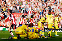 Photo: Alan Crowhurst.<br />Southampton v Leeds United. Coca Cola Championship. 21/04/2007. Leeds players drop to their knees as Southampton score.