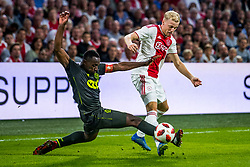 14-08-2018 NED: Champions League AFC Ajax - Standard de Liege, Amsterdam<br /> Third Qualifying Round,  3-0 victory Ajax during the UEFA Champions League match between Ajax v Standard Luik at the Johan Cruijff Arena / Donny van de Beek #6 of Ajax