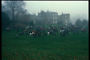Meeting of the Heythrop Hunt at Baron Thyssen's Daylesford House. December, 1984 approx. © Copyright Photograph by Dafydd Jones 66 Stockwell Park Rd. London SW9 0DA Tel 020 7733 0108 www.dafjones.com