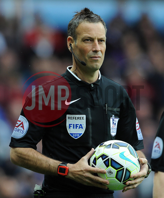 Match Referee Mark Clattenburg- Photo mandatory by-line: Harry Trump/JMP - Mobile: 07966 386802 - 29/04/15 - SPORT - FOOTBALL - Birmingham - Villa Park - Aston Villa v Everton - Barclays Premier League