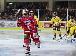 24.01.2020, Stadthalle, Klagenfurt, AUT, EBEL, EC KAC vs Vienna Capitals, 43. Runde, im Bild Thomas KOCH (EC KAC, #18), Marc-Andè DORION (SPUSU VIENNA CAPITALS, #10), Bernhard STARKBAUM (SPUSU VIENNA CAPITALS, #29), Tylor VAUSE (SPUSU VIENNA CAPITALS, #91) // during the Erste Bank Eishockey League 43th round match between EC KAC and Vienna Capitals at the Stadthalle in Klagenfurt, Austria on 2020/01/24. EXPA Pictures © 2020, PhotoCredit: EXPA/ Gert Steinthaler