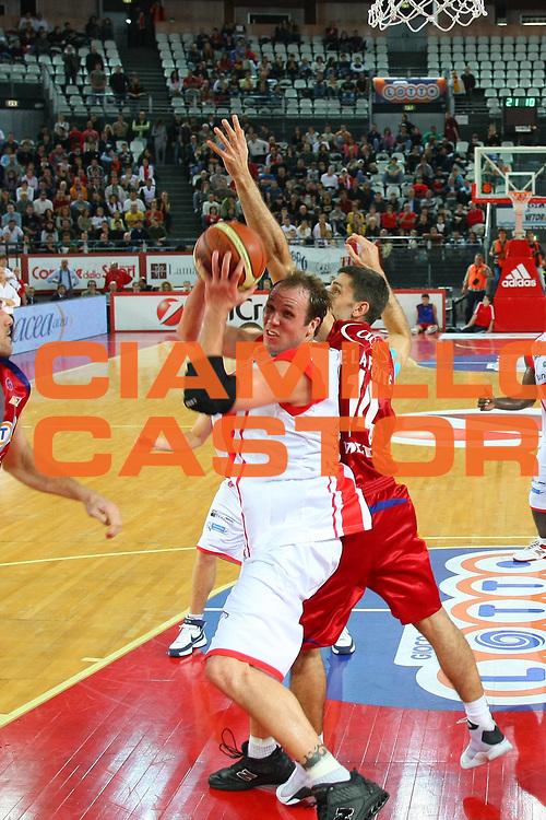 DESCRIZIONE : Roma Lega A1 2008-09 Lottomatica Virtus Roma Bancatercas Teramo<br /> GIOCATORE : Jacob Jaackas<br /> SQUADRA : Bancatercas Teramo<br /> EVENTO : Campionato Lega A1 2008-2009 <br /> GARA : Lottomatica Virtus Roma Bancatercas Teramo<br /> DATA : 02/11/2008 <br /> CATEGORIA : Penetrazione<br /> SPORT : Pallacanestro <br /> AUTORE : Agenzia Ciamillo-Castoria/C.De Massis