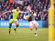 Harlequins playerCharlie Walker try to break a tackle in the first half during the Aviva Premiership match between Harlequins and Sale Sharks at Twickenham Stoop, Twickenham, United Kingdom on 7 January 2017. Photo by Ian  Muir.during the Aviva Premiership match between Harlequins and Sale Sharks at Twickenham Stoop, Twickenham, United Kingdom on 7 January 2017. Photo by Ian  Muir.