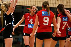 13-04-2013 VOLLEYBAL: TOPDIVISIE VCN KING SOFTWARE - SLIEDRECHT SPORT 2: CAPELLE AAN DEN IJSSEL <br /> Danielle Remmers, VCN King Software viert een gewonnen punt<br /> ©2013-FotoHoogendoorn.nl / Pim Waslander