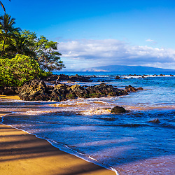 Mokapu Beach Wailea Beach in Wailea Makena Maui Hawaii with Kaho'olawe Island Reserve in the background. Copyright ⓒ 2019 Paul Velgos with All Rights Reserved.