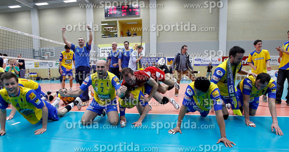 30.04.2013, Sporthalle, Bleiburg, AUT, AVL, Posojilnica Aich Dob vs HYPO Tirol Volleyballteam, Finale, Spiel 7, im Bild der Siegesjubel // during AVL Finalserie 7th Match between Posojilnica Aich Dob and HYPO Tirol Volleyballteam at the Sportcenter, Bleiburg, Austria on 2013/04/30. EXPA Pictures © 2013, PhotoCredit: EXPA/ Oskar Hoeher.