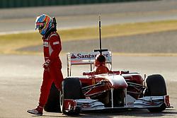 Motorsports / Formula 1: World Championship 2011, Test Valencia, Fernando Alonso (ESP, Scuderia Ferrari Marlboro),  stops on track, bleibt auf der Strecke stehen