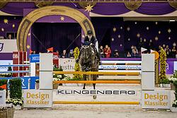 JUNG Jamila Malin (GER), Eclair 30<br /> Frankfurt - Festhallen Reitturnier 2019<br /> Preis der Dieter Hofmann-Stiftung – Finale I<br /> Nat. Stil-Springprüfung Kl. M** (1,35m)<br /> 19. Dezember 2019<br /> © www.sportfotos-lafrentz.de/Stefan Lafrentz