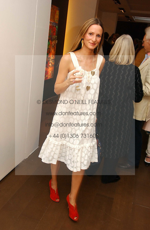 AMANDA CROSSLEY at a private view of artist Damian Elwes work 'Artists Studios' held at Scream, 34 Bruton Street, London W1 on 29th June 2006.<br /><br />NON EXCLUSIVE - WORLD RIGHTS