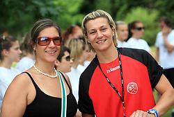 Novinarka Maja Mastnak in Anja Freser trenerka na otroski rokometni akademiji Urosa Z. v Dolenjskih toplicah, 27. junija 2008, Dolenjske toplice, Slovenija. (Photo by Vid Ponikvar / Sportal Images)