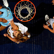 11/2/06 6:35:03 PM --- COLLEGE BASKETBALL SPORTS SHOOTER ACADEMY 003 --- Women's basketball at Bren Events Center at U.C. Irvine. Photo by John Absalon, Sports Shooter Academy