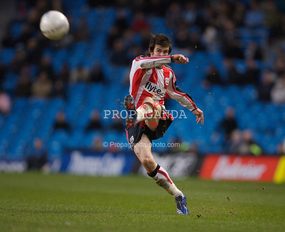 Manchester, England - Sunday, January 28, 2007: Southampton's Gareth Bale takes a free-kick against Manchester City during the FA Cup 5th Round match at the City of Manchester Stadium. (Pic by David Rawcliffe/Propaganda)