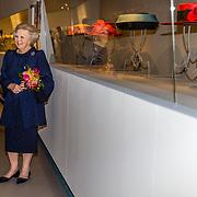 NLD/Apeldoorn//20170322 - Beatrix opent hoedententoonstelling Chapeaux in Paleis 't Loo,