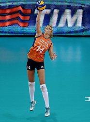 25-09-2014 ITA: World Championship Volleyball Nederland - USA, Verona<br /> Nederland verliest met 3-0 van team USA / Laura Dijkema