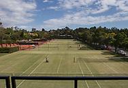 Royal South Yarra Lawn Tennis Club existiert seit 1884.<br /> Klubhaus Terrasse mit Blick auf Rasenplaetze,