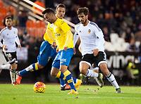 Valencia's Andre Gomes  and UD Las Palmas' Momo  during La Liga match. November 21, 2015. (ALTERPHOTOS/Javier Comos)