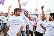 En studentförening spelar upp en pjäs om Dr. Bhimrao Ramji Ambedkar för att åskådliggöra daliternas kamp i samhället. Nagpur, Indien