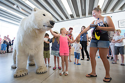 July 26, 2018 - Margate, Kent. Paula the Polar Bear appears at Turner Contemporary gallery today and during the summer  to highlight climate change and how humans co-exist with animals. Paula the Polar Bear, a life-size puppet, will be roaming around the gallery and specific points in and around Margate during July and August. (Credit Image: © Manu Palomeque/London News Pictures via ZUMA Wire)