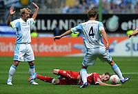 Fussball 2. Bundesliga:  Saison   2012/2013,    3. Spieltag  1. FC Kaiserslautern - TSV 1860 Muenchen   26.08.2012 Daniel Bierofka  (li, 1860 Muenchen) gegen Konstantinos Fortounis (Mitte, 1. FC Kaiserslautern) gegen Kai Buelow ( 1860 Muenchen)