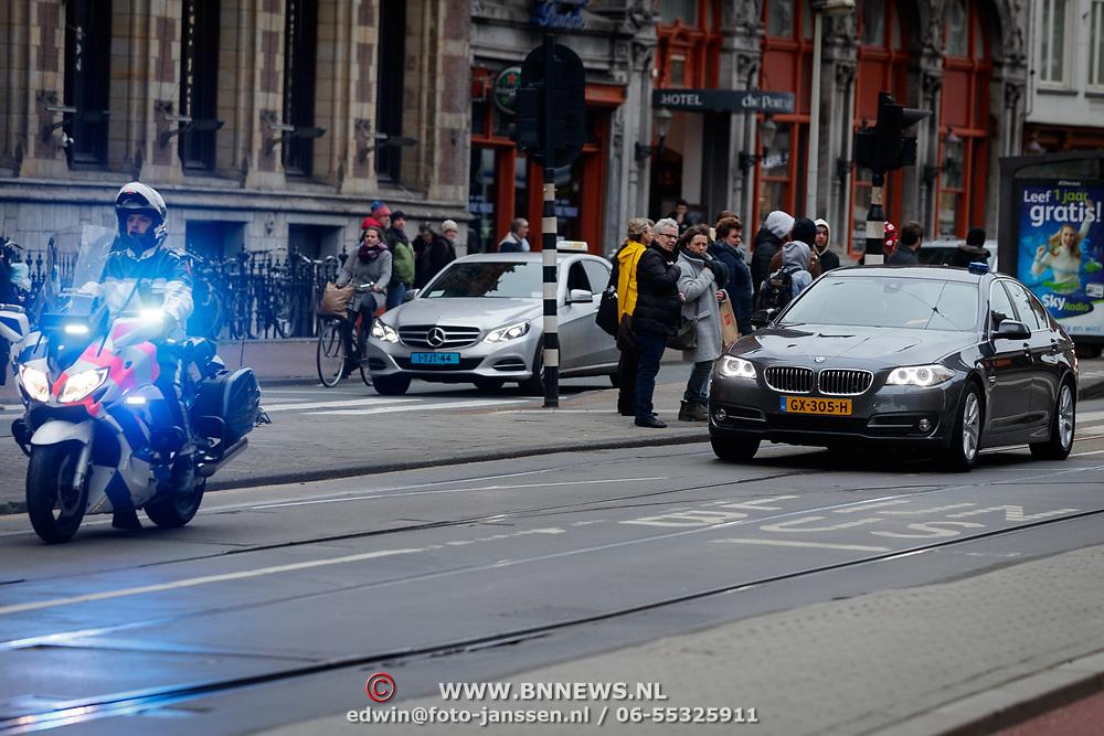NLD/Amsterdam/20190115 - Koninklijke nieuwjaarsontvangst Nederlandse genodigden, beveiligd vervoer
