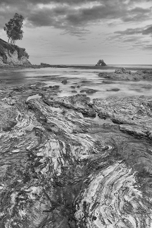 Corona Del Mar - Arch Rock And Tide Pools - Dusk - Black & White