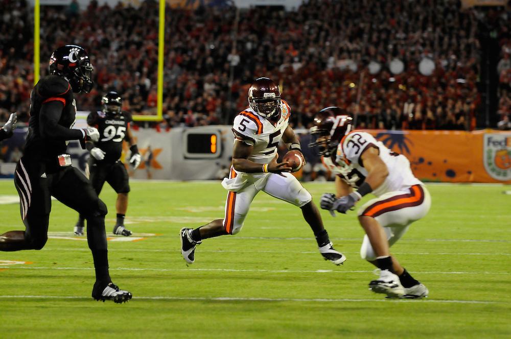 2009 FedEx Orange Bowl: Cincinnati Bearcats vs Virginia Tech Hokies