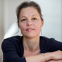 Nederland, Zaandijk, 14 juli 2017.<br /> Sonja Ortmans werd geboren in 1975, ze studeerde Nederlands Recht (1994-2000) en is jurist.<br /> <br /> Zij schreef het boek Recht uit het hart wat uitgegeven werd door Uitgeverij de Zaak  in oktober 2012, daarnaast schrijft Sonja gedichten en scenario&rsquo;s.<br /> <br /> Foto: Jean-Pierre Jans