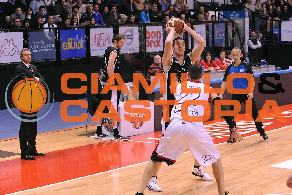 DESCRIZIONE : Biella Lega A 2010-11 Angelico Biella Canadian Solar Bologna<br /> GIOCATORE : <br /> SQUADRA :  Canadian Solar Bologna<br /> EVENTO : Campionato Lega A 2010-2011 <br /> GARA : Angelico Biella  Canadian Solar Bologna<br /> DATA : 06/01/2011<br /> CATEGORIA : <br /> SPORT : Pallacanestro <br /> AUTORE : Agenzia Ciamillo-Castoria/ L.Goria<br /> Galleria : Lega Basket A 2010-2011  <br /> Fotonotizia : Biella Lega A 2010-11 Angelico Biella Canadian Solar Bologna<br /> Predefinita :