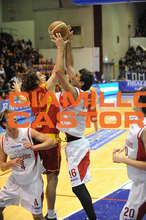 DESCRIZIONE : Sassari Lega A2 2009-10 Final Four Coppa Italia Semifinale Trenkwalder Reggio Emilia Prima Veroli<br /> GIOCATORE :  Federico Pugi<br /> SQUADRA : Trenkwalder Reggio Emilia Prima Veroli<br /> EVENTO : Campionato Lega A2 2009-2010<br /> GARA : Trenkwalder Reggio Emilia Prima Veroli<br /> DATA : 06/03/2010<br /> CATEGORIA : Tiro<br /> SPORT : Pallacanestro<br /> AUTORE : Agenzia Ciamillo-Castoria/GiulioCiamillo<br /> Galleria : Lega Basket A2 2009-2010  <br /> Fotonotizia : Sassari Lega A2 2009-2010 Final Four Coppa Italia Semifinale Trenkwalder Reggio Emilia Prima Veroli<br /> Predefinita :