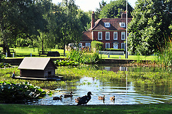 © Licensed to London NewPictures.01/08/2017.Otford,<br /> UK.<br /> August sunny weather in Kent.Otford Village roundabout pond.<br /> Photo credit: Grant Falvey/LNP