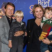 NLD/Amsterdam/20191005 - De Brief voor Sinterklaas, Lieke van Lexmond met partner Bas van Veggel en zoontjes