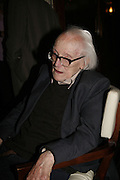 MICHAEL FOOT, Paul Foot Award for Journalism, Courthouse Hotel, 19 Great Marlborough Street, London. 16 October 2006. -DO NOT ARCHIVE-© Copyright Photograph by Dafydd Jones 66 Stockwell Park Rd. London SW9 0DA Tel 020 7733 0108 www.dafjones.com