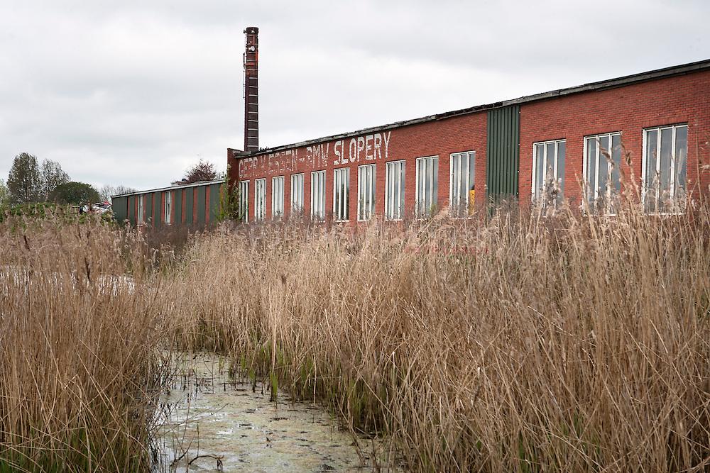 winneweer 22/4/2009. achterkant gebouw gebr. van essen / winparts / dparts. foto: Pepijn van den Broeke