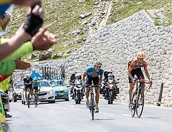 07.07.2017, St. Johann Alpendorf, AUT, Ö-Tour, Österreich Radrundfahrt 2017, 5. Etappe von Kitzbühel nach St. Johann/Alpendorf (212,5 km), im Bild v.l. Riccardo Zoidl (AUT, Team Felbermayr Simplon Wels), Pieter Weening (NED, Roompot Nederlandse Loterij) sprinten um den Glocknerkönig // f.l. Riccardo Zoidl of Austria (Team Felbermayr Simplon Wels) and Pieter Weening of Netherlands (Roompot Nederlandse Loterij) fighting for the Glocknerkoenig during the 5th stage from Kitzbuehel to St. Johann/Alpendorf (212,5 km) of 2017 Tour of Austria. St. Johann Alpendorf, Austria on 2017/07/07. EXPA Pictures © 2017, PhotoCredit: EXPA/ Reinhard Eisenbauer
