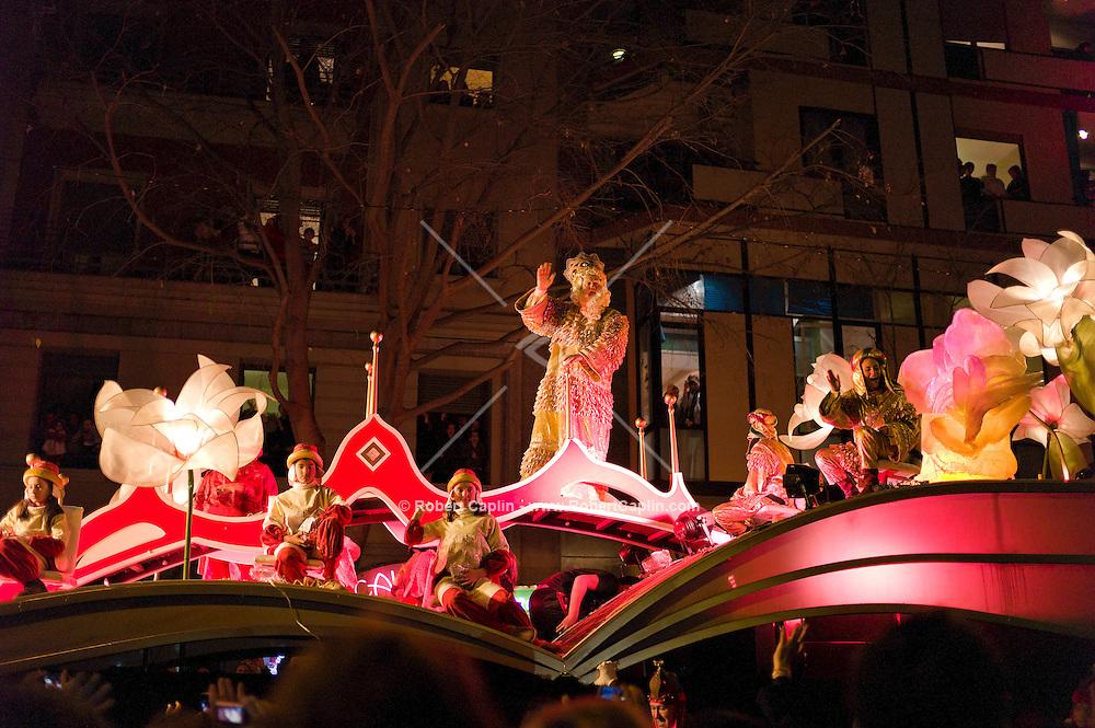 Los Reyes Magos Parade. Barcelona Kings Day Parade. ..Photo © Robert Caplin...