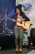 """Joyce Jonathan était sur la scène du """"Festival Scene sur Sambre"""" à Thuin, Belgique"""