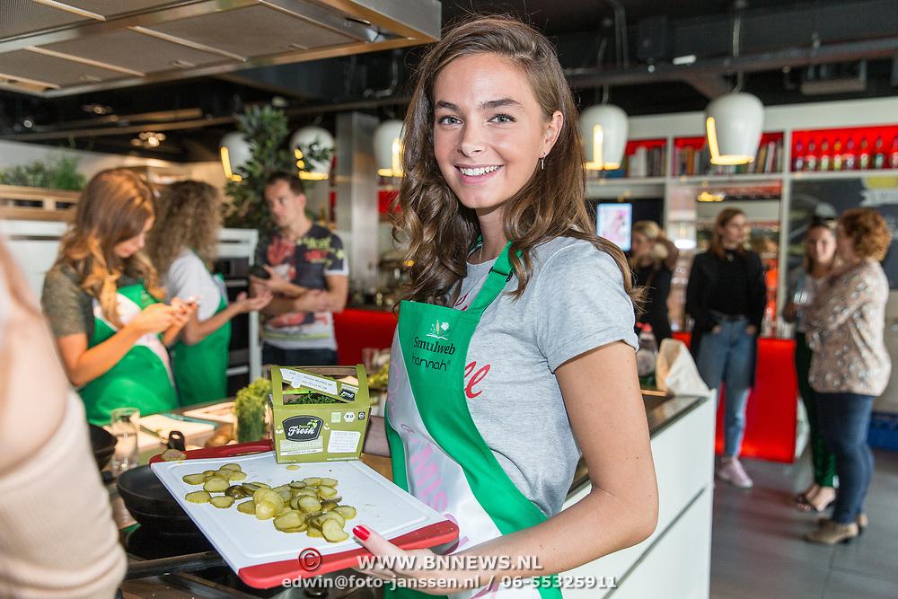 NLD/Amersfoort/20180830 - Boekpresentatie van Nicky Opheij  'On a Mission', Margot Hanekamp