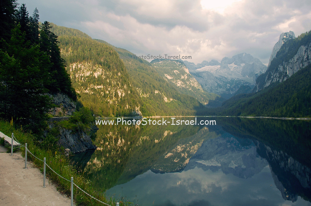 Austria, Upper Austria, Gosau, Lake Gosau in the Dachstein Mountains Dachstein Glacier in the background