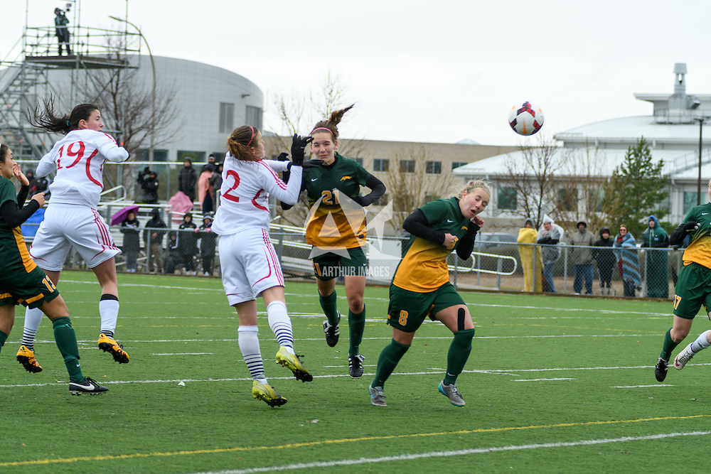 1st year defender Lauren Petras (21) of the Regina Cougars in action during the Women's Soccer final home game on October 16 at U of R Field. Credit: Arthur Ward/Arthur Images