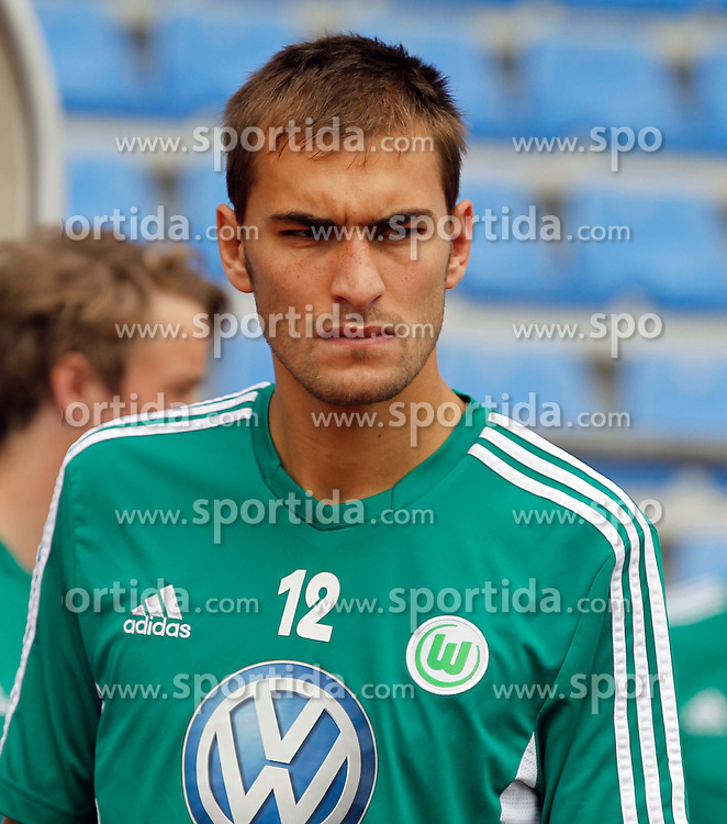 07.08.2012, Stadion Lind, Villach, AUT, VfL Wolfsburg Trainingslager, im Bild Bas Dost (Wolfsburg) waehrend einer Trainingseinheit // during the training session from VfL Wolfsburg on 2012/08/07. EXPA Pictures © 2012, PhotoCredit: EXPA/ Oskar Hoeher.