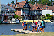 """Henley on Thames, United Kingdom, 2nd July 2018, Monday,   """"Henley Royal Regatta"""",  view, Competitors getting early training in on Henley Reach, River Thames, Thames Valley, England, © Peter SPURRIER/Alamy Live News/Alamy Live News,"""