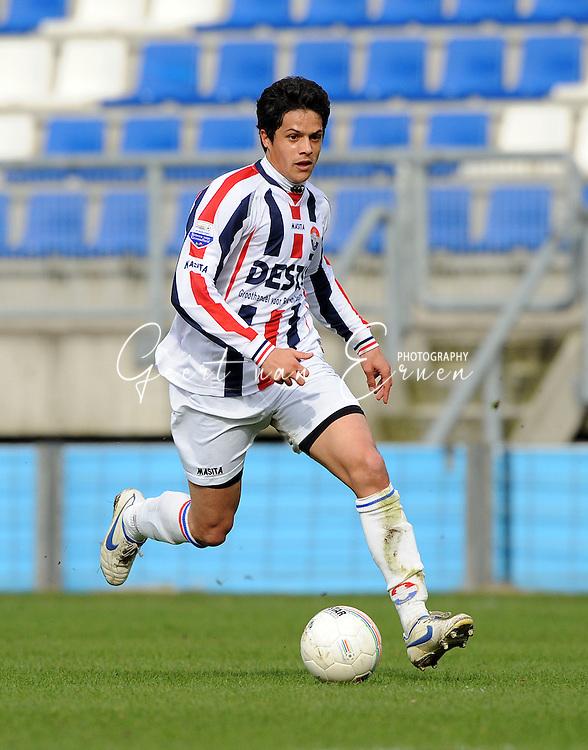 27-03-2009 Voetbal:Willem II:RSC Anderlecht:Tilburg<br /> Leonardo Veloso<br /> Foto: Geert van Erven