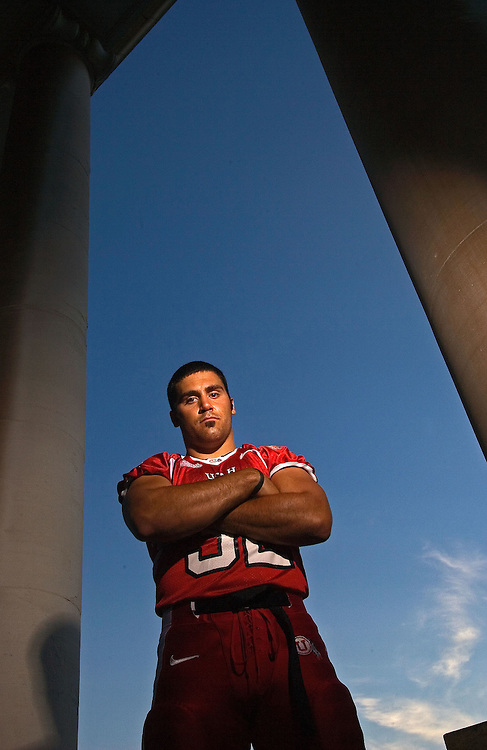 MY THIRD FAVORITE---Eric Weddle U of U defensive back and linebacker portrait shoot on the U of U campus Presidents Circle in Salt Lake City, Utah  Tuesday July 25, 2006.  August Miller/Deseret Morning News